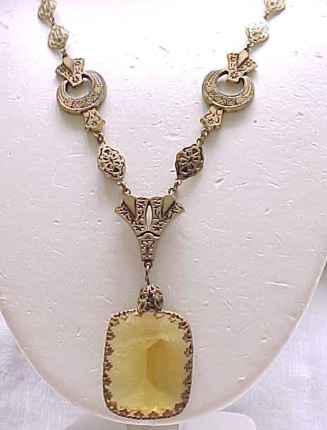 Elegant Victorian/Edwardian Necklace Detailed - Beautiful Pendant