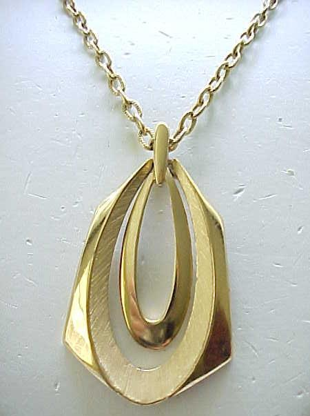 02 - Trifari Goldtone Pendant - Textured and Shiny Surfaces