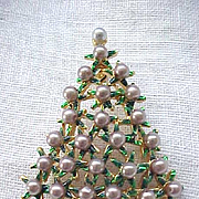 Delightful Christmas Tree Pin with Faux Pearls
