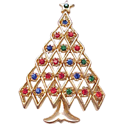 Pretty Rhinestone Christmas Tree Pin