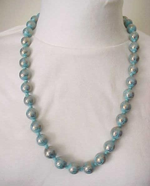 Lovely Necklace Chinese Beads - Turquoise and Goldtone
