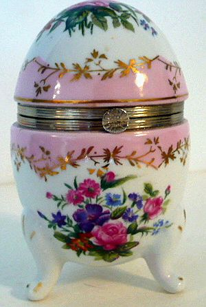 Porcelain Hinged Egg Box Marked RS