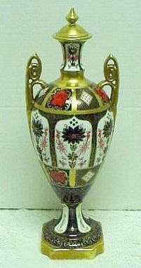 "Large 18"" Royal Crown Derby Old Imari Lidded Vase/Urn"