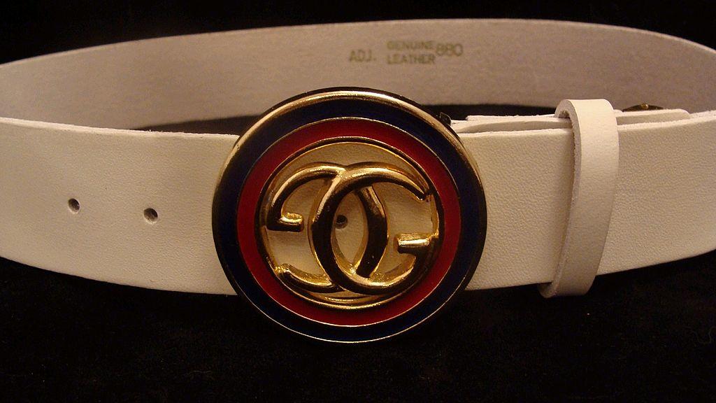 gucci logo. white leather gucci designer logo belt k