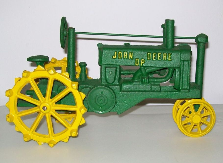 Trat Er Toy : Cast iron john deere tractor toy from rlreproshop on ruby lane