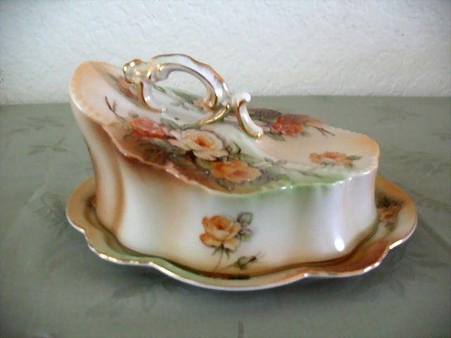 Butter Dish or Cheese Keeper Peach-colored Roses