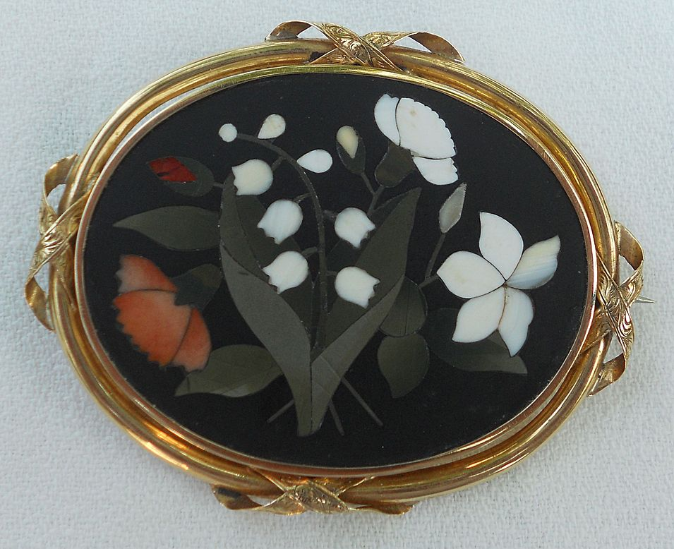 Large Pietra Dura Brooch, Gold frame