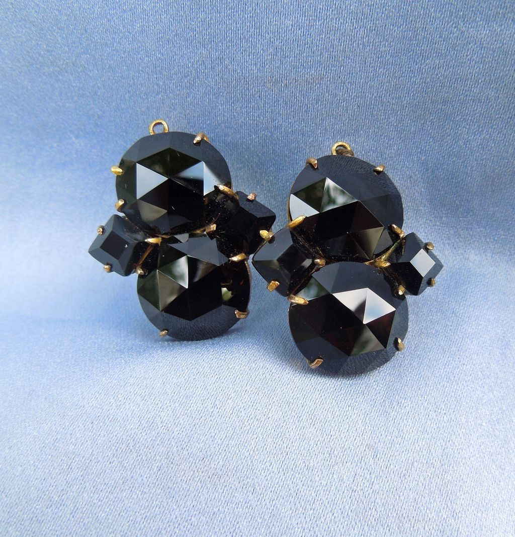 Queen Anne Earrings, Black Paste, 1740
