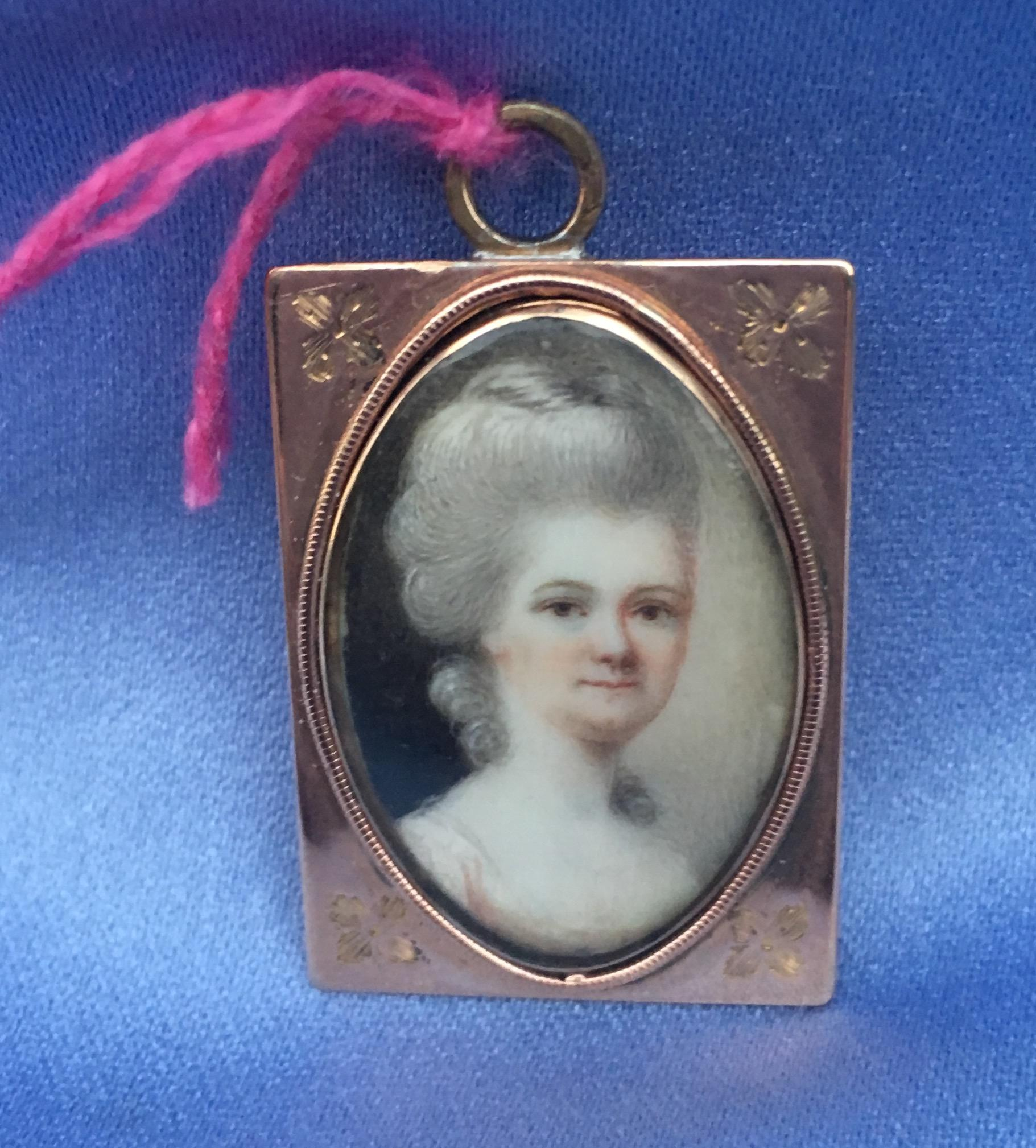Gold Pendant, Lady