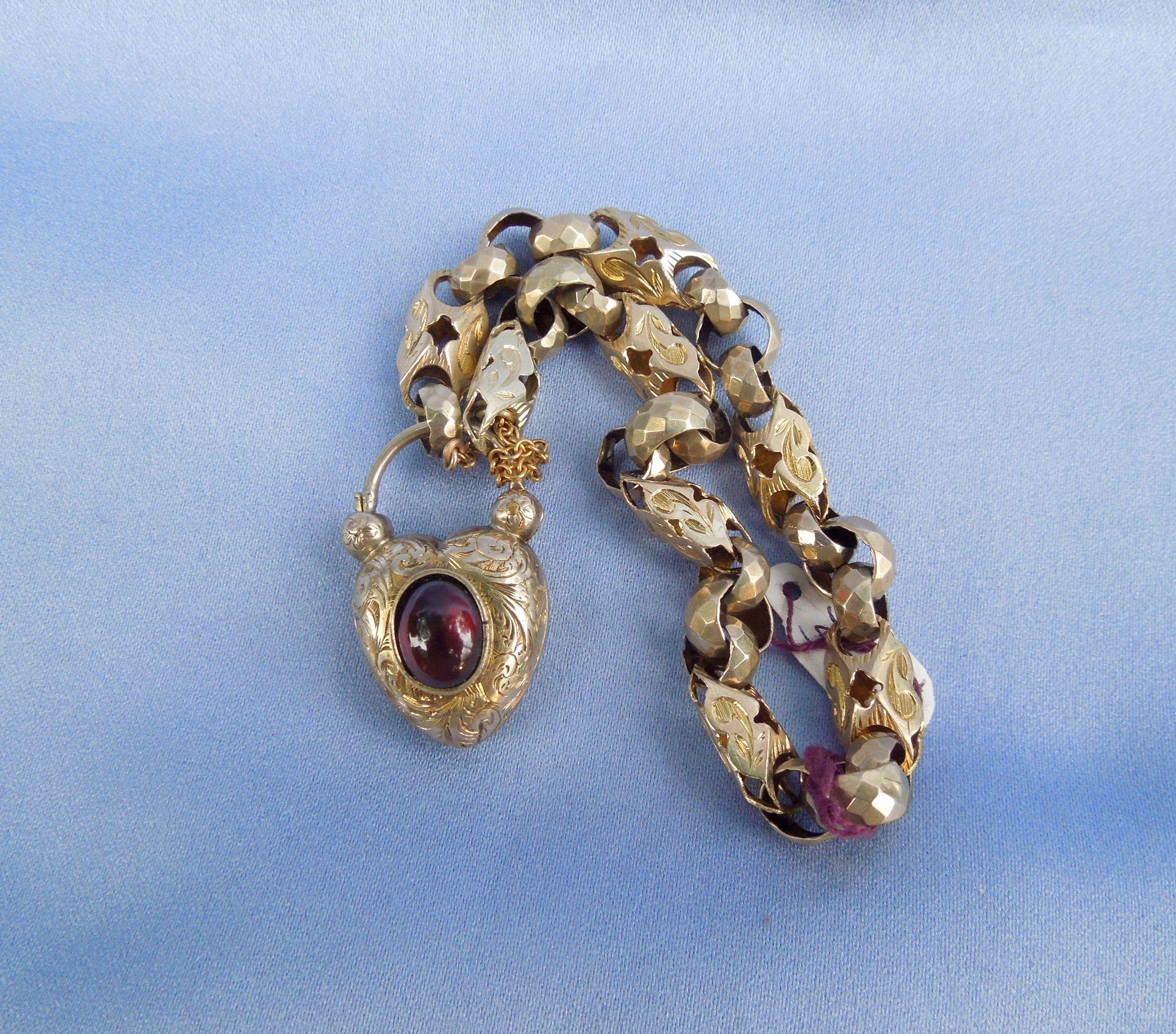 9k Gate Bracelet, Fancy link, With Padlock with Large Garnet