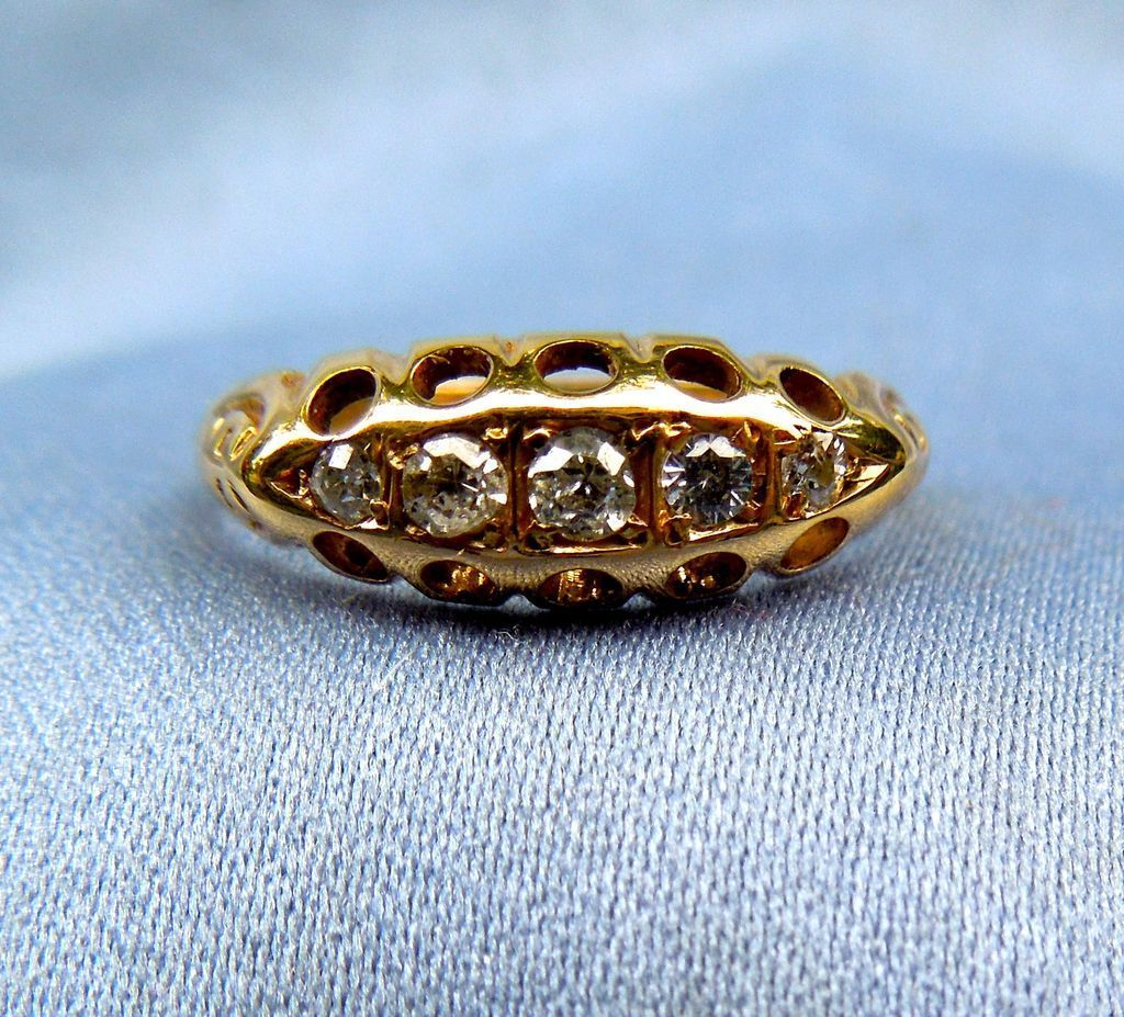 Five Diamond Band, 18 ct, 1906