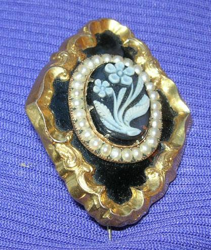 Mourning Jewelry, Memorial, Forget-Me-Not Brooch, Agate Cameo, Pearls, Victorian