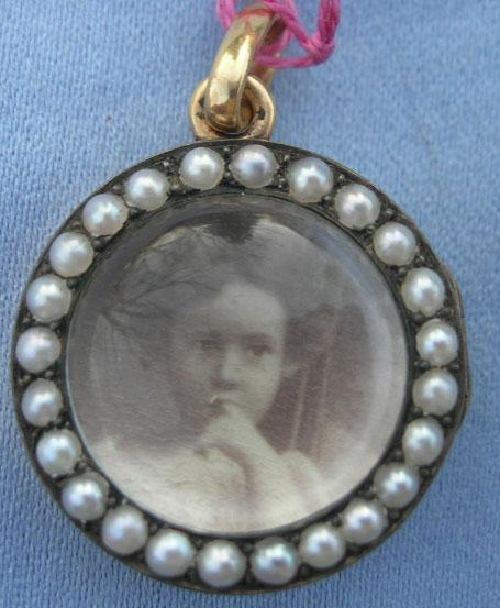15 ct Magnifying Pendant With Pearl Surround, Victorian