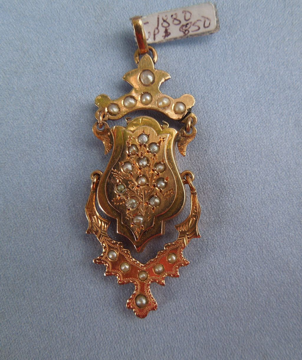 18 ct, Victorian Locket With Pearls