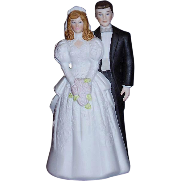 Bride and Groom Wedding Cake Topper Bisque Porcelain 1988 MINT