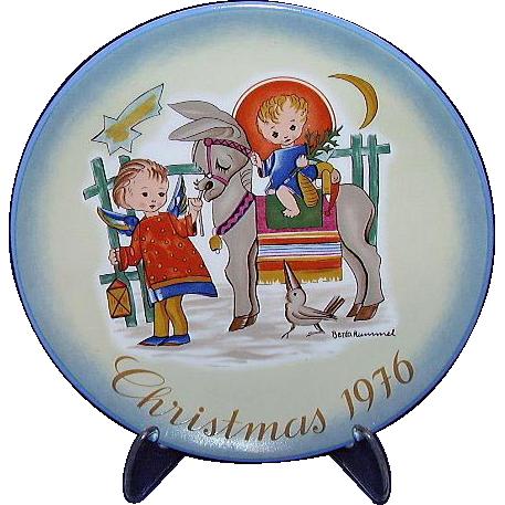 """Hummel """"Sacred Journey"""" 1976 Christmas Plate"""