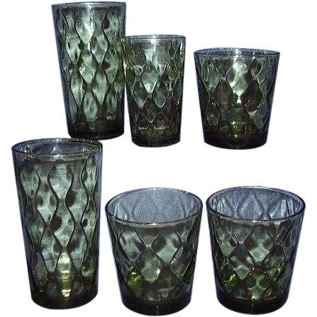 1970s Avocado Green Wavy Diamonds Beverage Glasses ~ Assorted Sizes