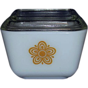 Pyrex Butterfly Gold Refrigerator Dish # 501B Half Cup