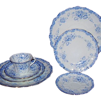 Allertons England Arran 7-Piece Grouping Blue White Floral Transferware