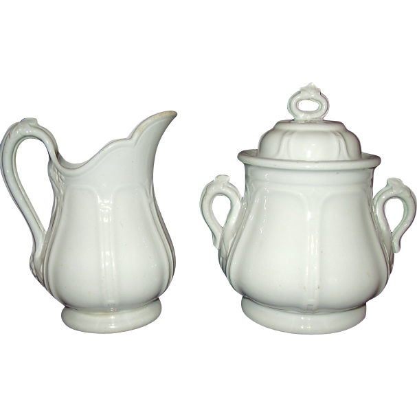 White English Ironstone Covered Sugar Bowl Creamer Set Ivy Leaf with Berries Shape R