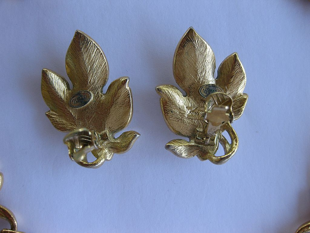 Kunio Matsumoto Double Leaf  Gold Tone Earrings for Trifari