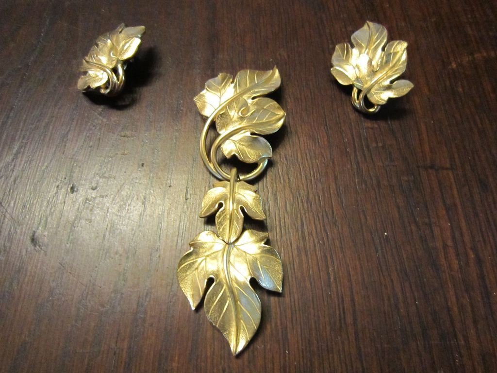 Kunio Matsumoto  Leaves Gold Tone Brooch and Earrings  for Trifari