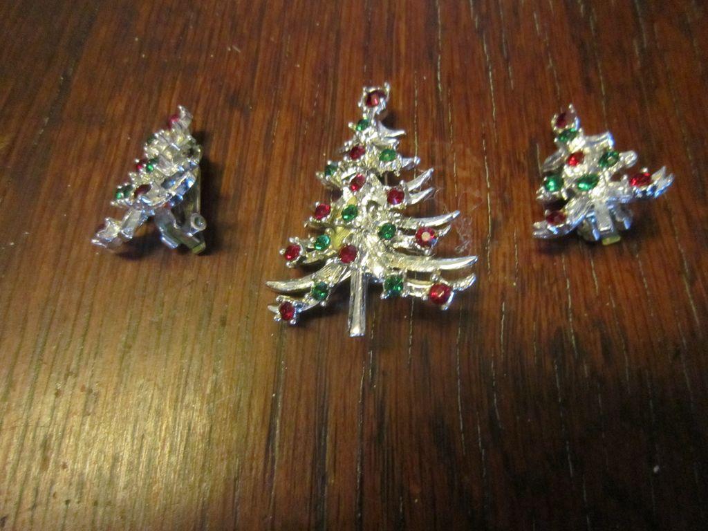 Mylu Christmas Tree Brooch and Earrings - Book Piece