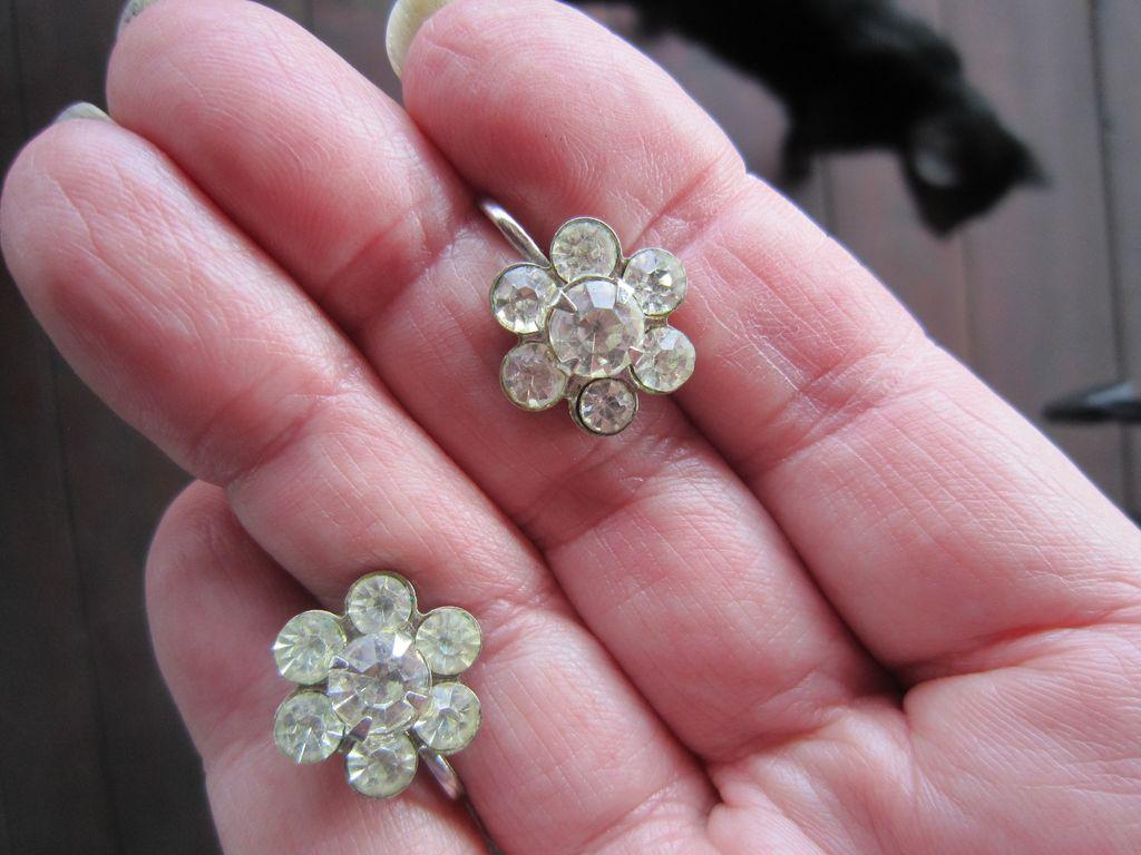 Coro Rhinestone Flower  Earrings