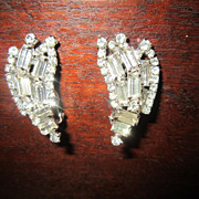 Haley's Comet  Clear Rhinestone Earrings