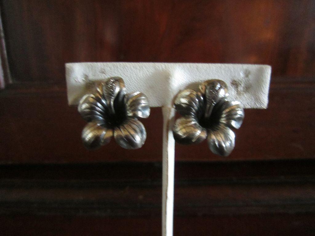 Danecraft Sterling Hibiscus Earrings