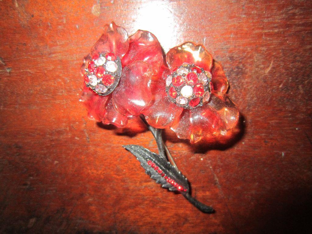 Vendome Lucite Flower Brooch