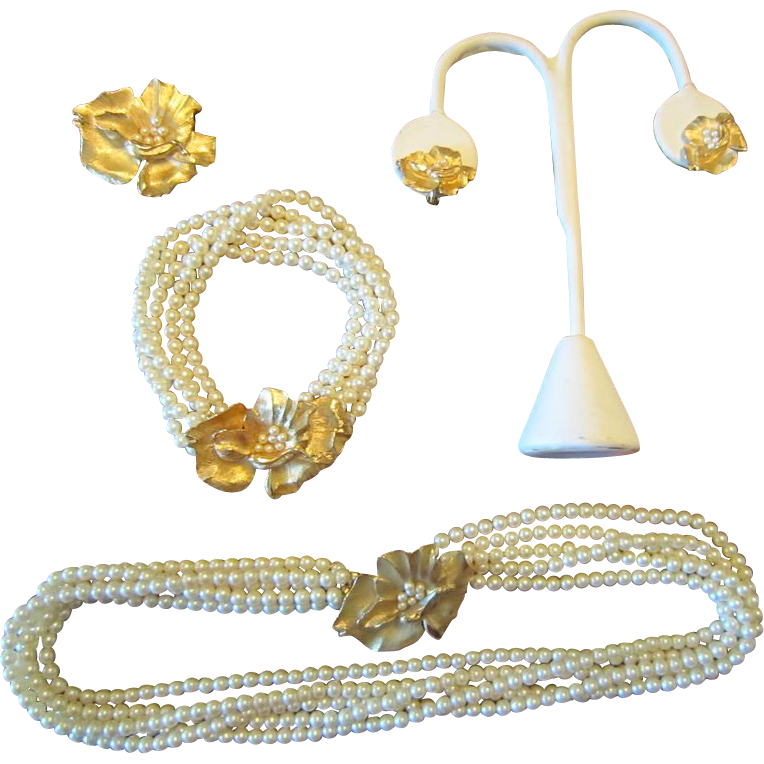 Trifari Parure - Faux Pearls and Gold Tone Flowers - Mid Century