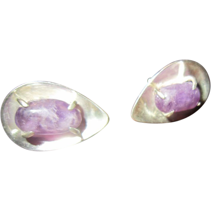 J Sotelo Modernist Sterling Shell with Pronged Amethyst Earrings