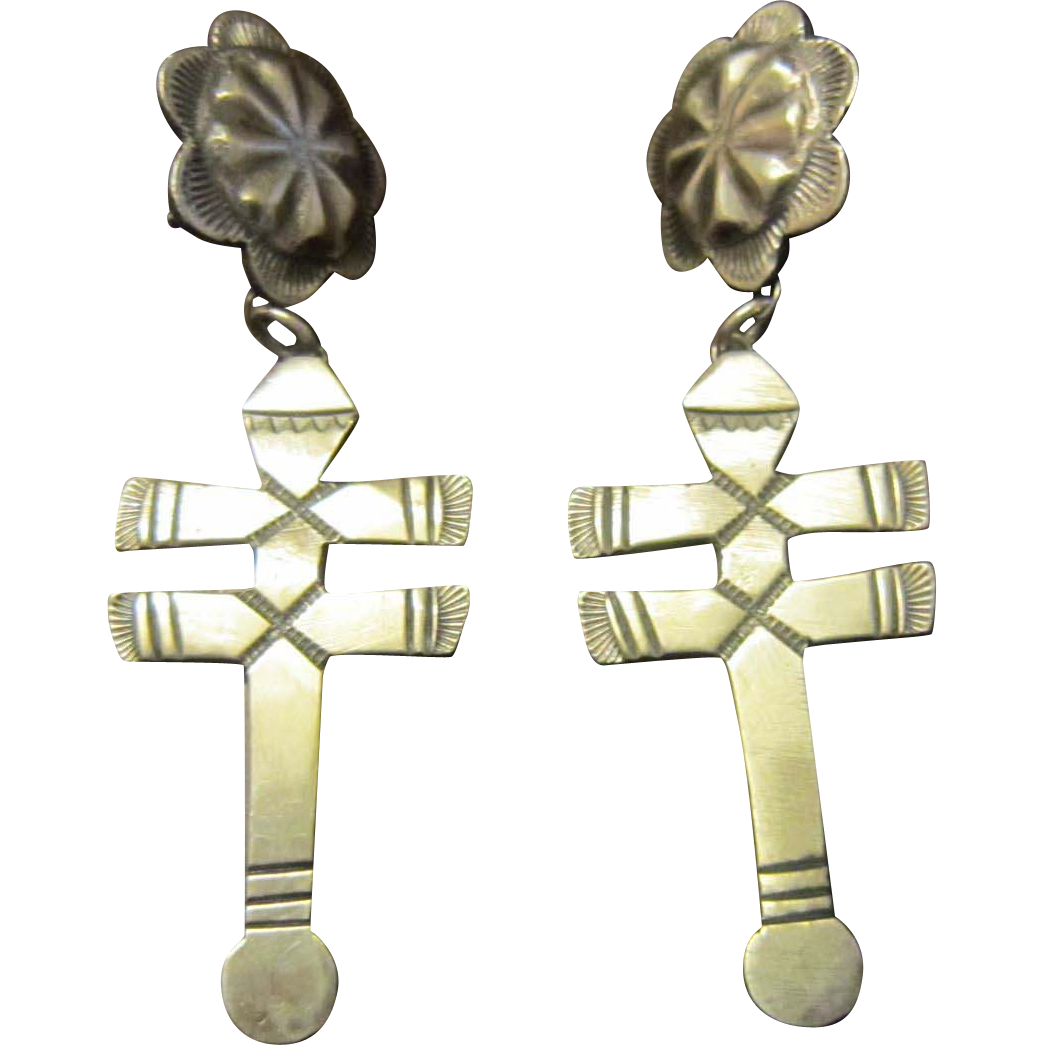 Linda Marble, Navajo, Traditional Style Isleta Sterling Earrings