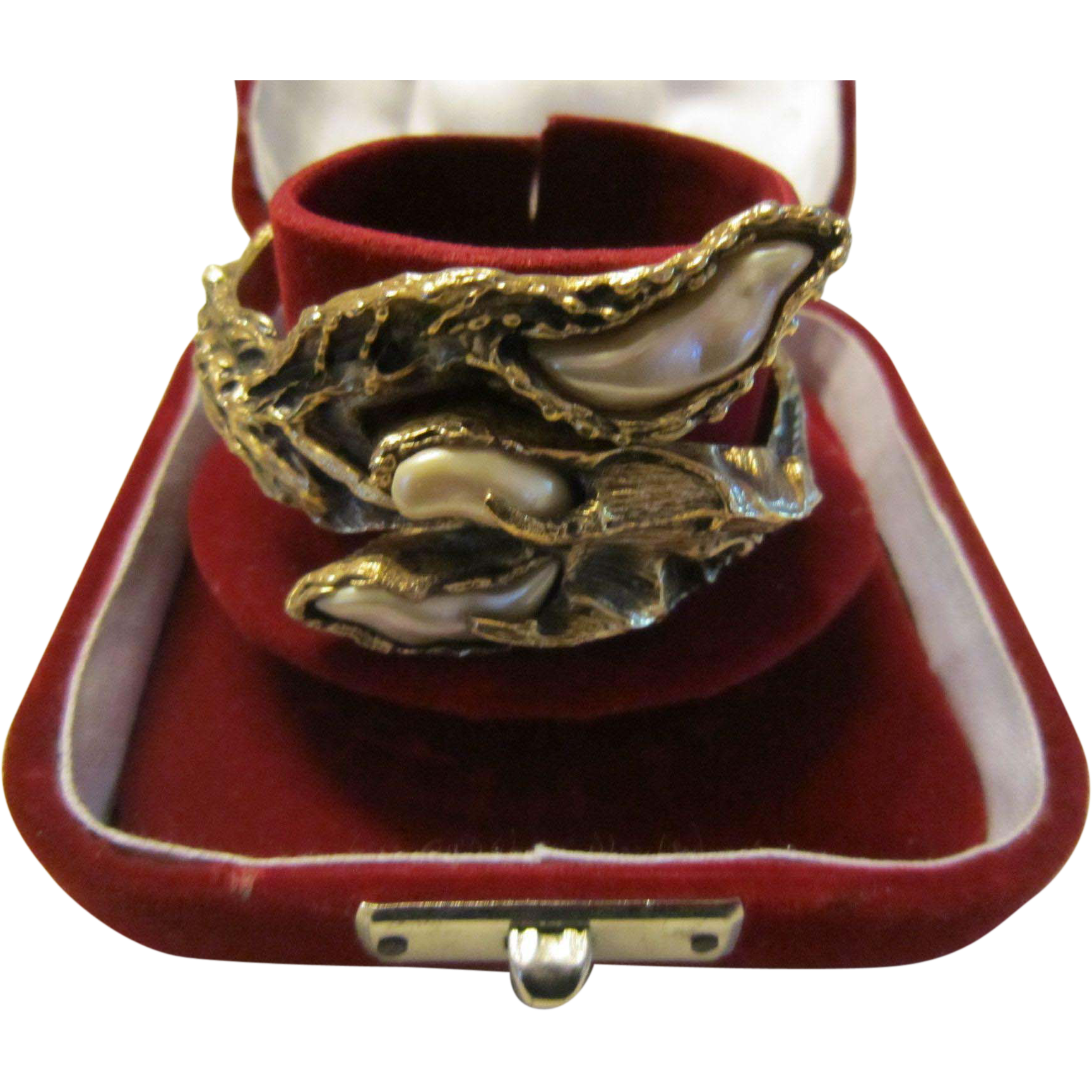 Jonathan Bailey for Trifari  Clamper Bracelet Antique Gold Tone, Baroque Faux Pearls