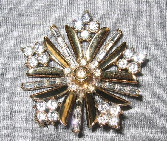 1949 Alfred Philippe Trifari Snowflake Brooch - Book Piece
