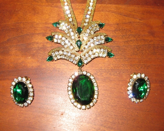 SALE Hattie Carnegie Emerald and Clear Rhinestone Necklace Set