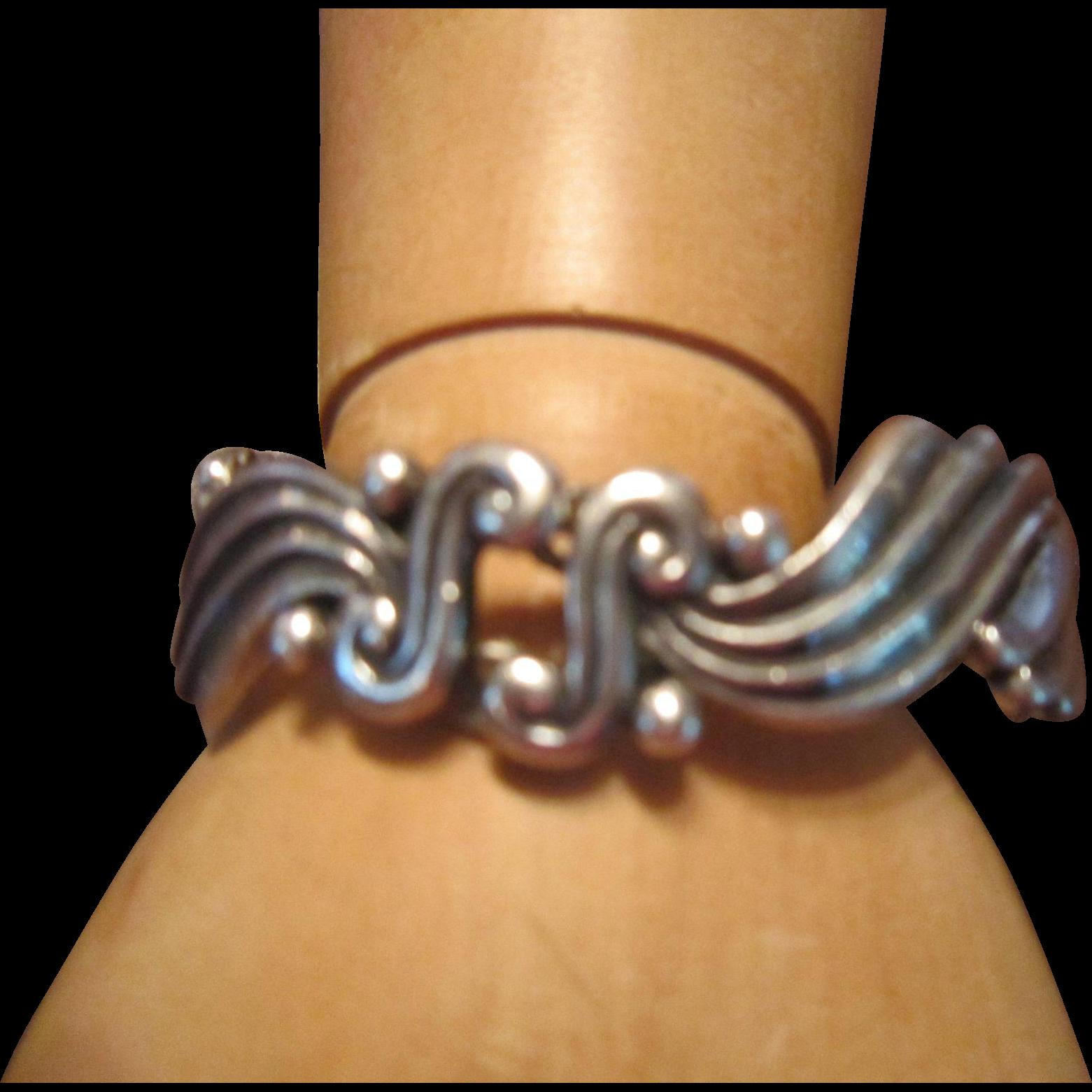 Margot de Taxco Sterling Repousse Link Bracelet 5120