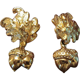 Oak Leaves and Acorns Gold Tone Earrings