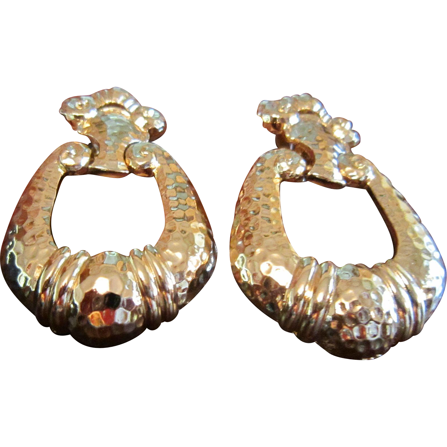 Jose Maria Barrera Avon Corinthian Earrings in Gold Tone