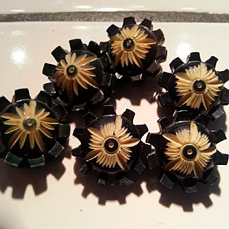 Set of 6 Black on cream carved celluloid buttons