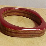 Dark red geometric inlaid wood BAKELITE  bracelet 1930's