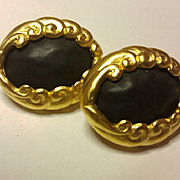 KL Karl Lagerfeld CHIC black/goldtone earrings