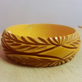 Butterscotch Leaf carved with diamond pattern bakelite bangle SALE!