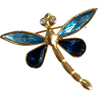 Dainty Dragonfly Pin