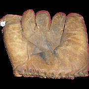 Charlie Keller signature vintage baseball glove mitt.