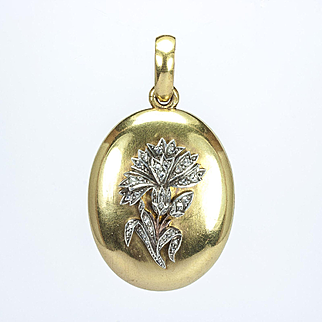 A Victorian Gold and Diamond Carnation Locket, French mid-19th century