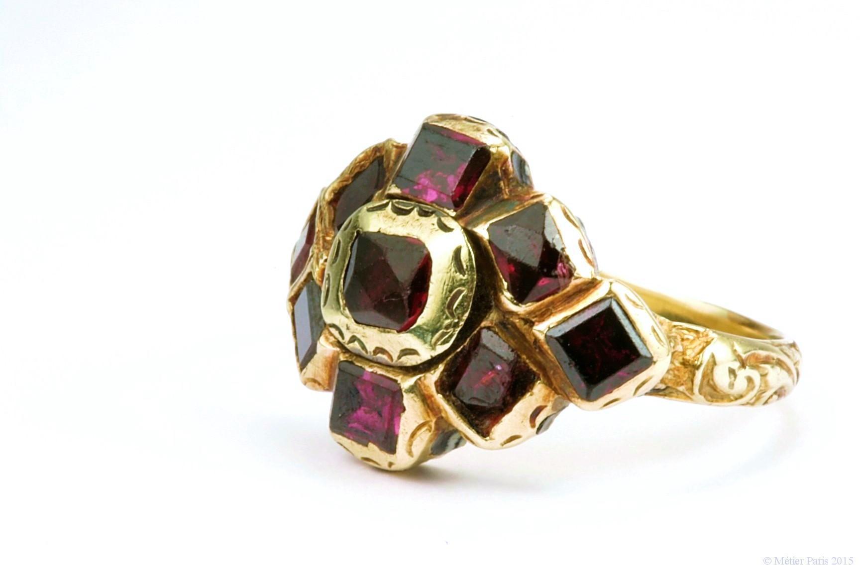 A 17th Century Garnet Ring, Spanish c. 1680
