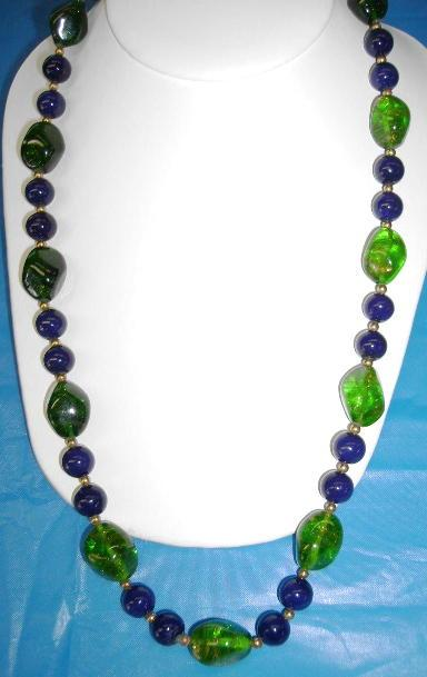 VINTAGE Glass Bead Necklace Beautiful Navy and Green with Aventurine