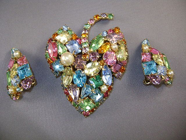 VINTAGE Brooch of Many Colors and Earrings